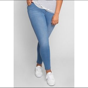 Denim - 💕Plus Size Jeggings 💕